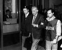 Arrestation de Poggiolini, autre grand bienfaiteur de l'humanité.