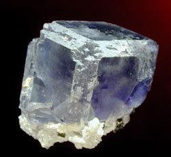 pierre-calcarea-fluorica